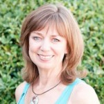 031 - Yoga, Emotions and Aromatherapy - Interview with Lisa Kneller